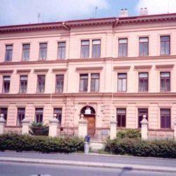 Základní škola Kroměříž, 1. máje